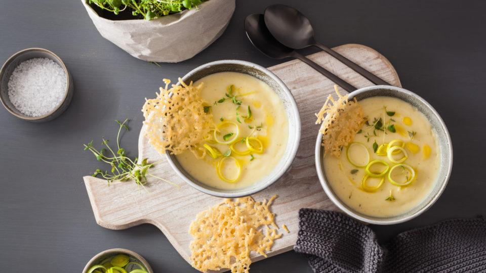 Fácil Receta de Crema de puerros y patata